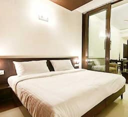Hotel Mulberry Retreat DLF Phase II