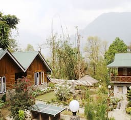 Hotel Cherry Village Homestay Resort