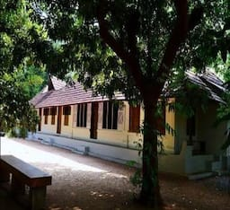 Hotel Heritage Homestay At Aymanam Village!!