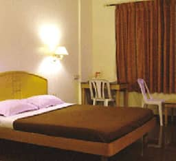 Hotel Kamat Executive Inn