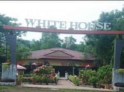 Hotel White House Resort