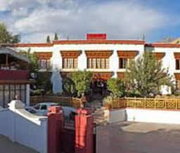 Hotel Three Roses