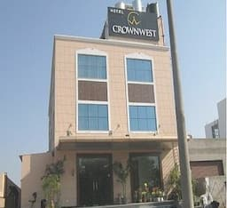 Hotel Crown West, Mohali