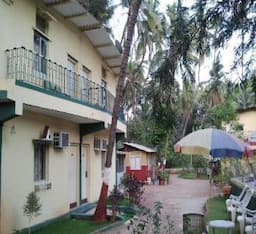 Hotel Cozy Beautiful Resort Near The Beach