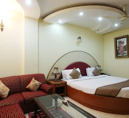 Hotel TG Rooms Padam Singh Road