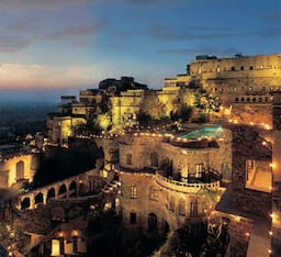 Hotel Neemrana Fort Palace