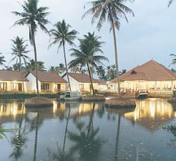 Hotel Abad Whispering Palms Lake Resort