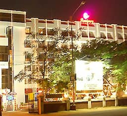 Hotel Breeze Residency