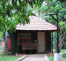 Hotel Winter Greens