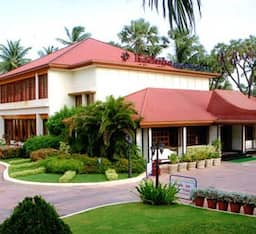 Hotel Radhika Beach Resort
