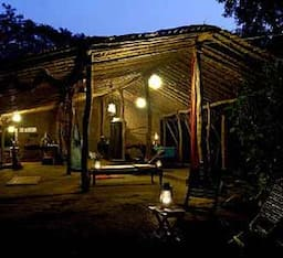 Hotel Hide Out (Intl Eco Centre) - MANOR