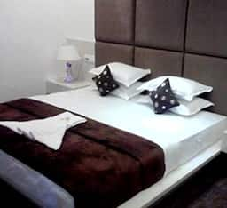 Hotel Woodlands, Nagpur