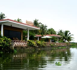 Hotel Lake Symphony Resort