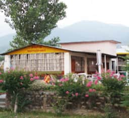 Pops Hotel and Restaurant, Kangra
