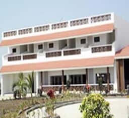 Hotel Goverdhan Greens Resort