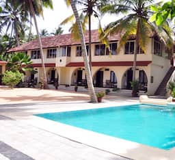 Hotel Lagoona Beach Resort