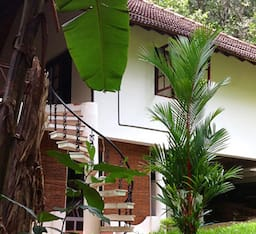 Hotel Dukes Forest Lodge