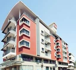 Hotel 7th Heaven Service Apartment
