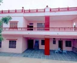Hotel TG Stays Opp. Sophia School