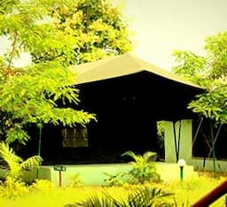 Hotel Nagzira Nature Camp