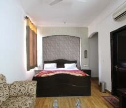 Hotel TG Rooms Sector 39