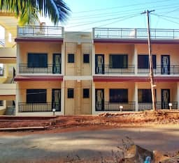 Hotel Center Point Residency