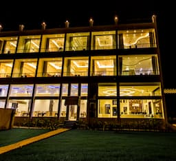 Hotel Winsome Resort & Spa