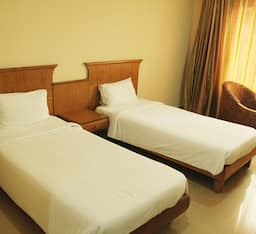 Super Saver 2 Star Budget Hotel Behind North Railway Station, Cochin
