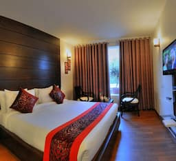 Hotel Super Saver 3 Star at Fatehabad Road