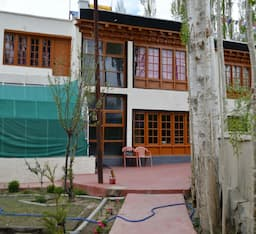 Hotel DEVA HOME STAY