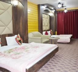 Triple Bed Room