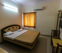 Deluxe Double Non AC Room