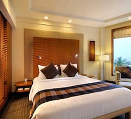 Executive Suite King Bed Ocean View