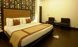 Deluxe Room with Breakfast, WiFi and One way Transfer