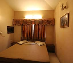 4 Bedrooms Bungalow A/C