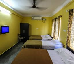 Six Bedded Room