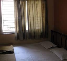 EXECUTIVE DOUBLE BED AC ROOM
