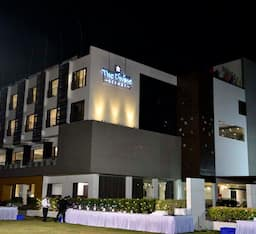 Hotel The Divine Resort