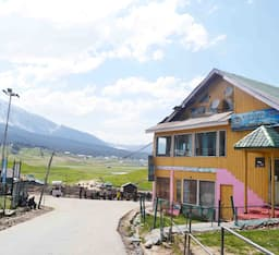 Hotel Pine View Resort