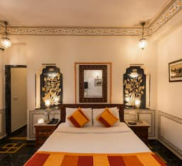 Hotel Three Star Super Saver in Bani Park