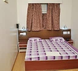 Hotel Three Star Super Saver on M I Road