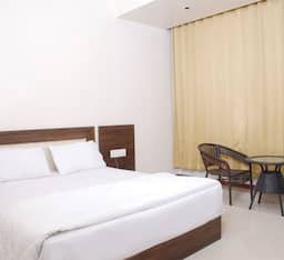 Hotel Three Star Super Saver in Malad