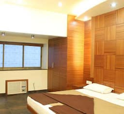 Hotel Three Star Super Saver at Ray Street