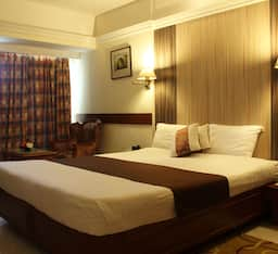 Hotel Four Star Super Saver in Juhu