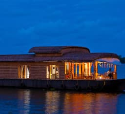 Hotel Abad Cruise on the Lake