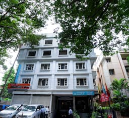 Hotel Adarsh Inn