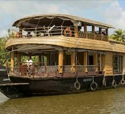 Hotel Adithyan 02 Bed Houseboat , Kumarakom