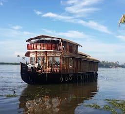 Hotel Karippuram 03 Bed Upper Deck Houseboat , Kumarakom