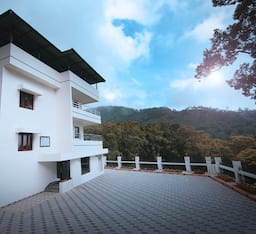 Hotel Excellency Forest Trail