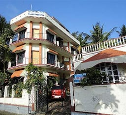 Hotel 4 Seasons Homestay